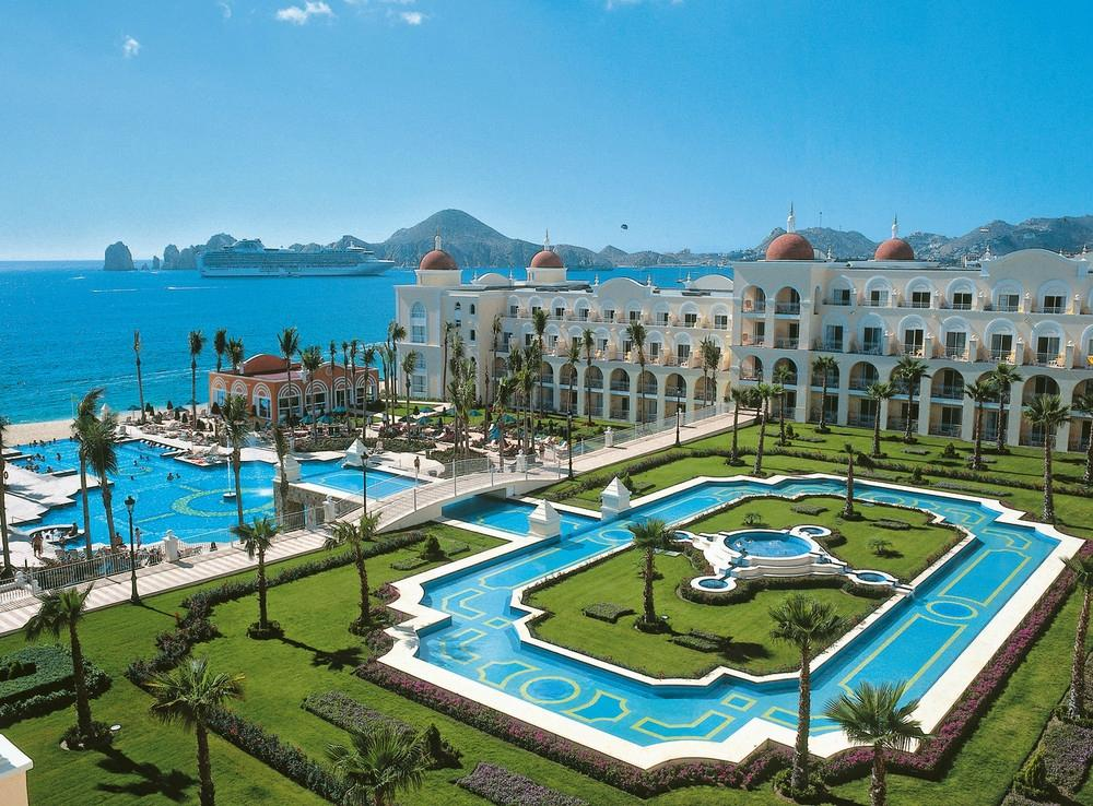 Riu Palace Los Cabos, Beautiful pool area and beach wedding destination Liz Moore destination Weddings.