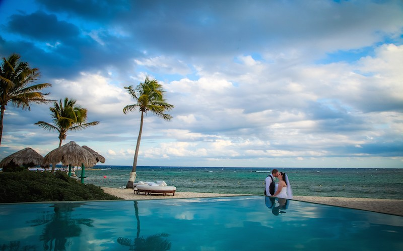 Lindsay & Andrew (Grand Oasis, Mexico)