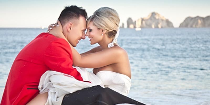 Los Cabos Mexico Liz Moore Destination Weddings gorgeous wedding couple