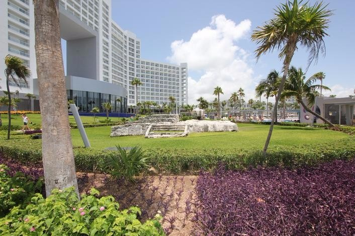 Mexico all inclusive wedding packages Cancun Riu Palace Peninsula