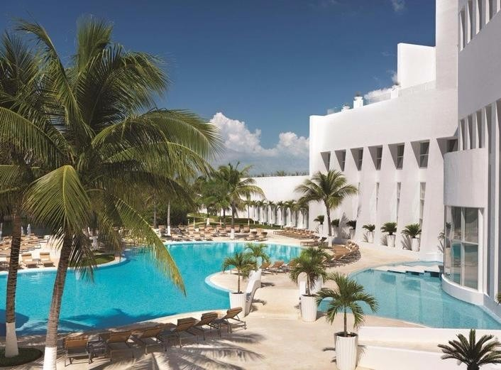 Mexico wedding resorts Le Blanc Spa Resort Cancun