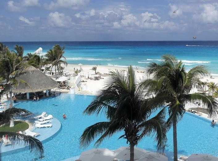 Mexico best wedding destination Le Blanc Spa Resort Cancun
