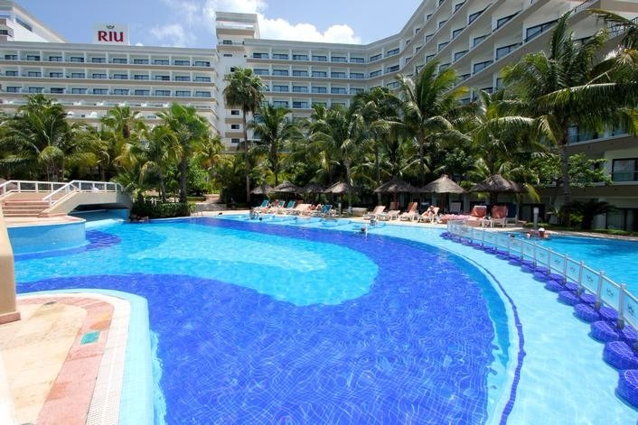 Mexico best destination weddings Riu Caribe Cancun