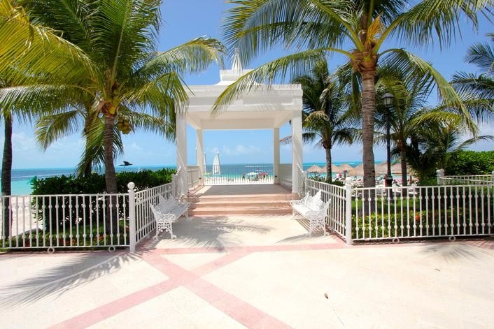 Mexico wedding packages Riu Caribe Cancun