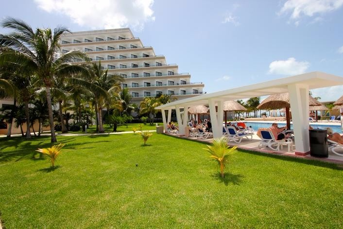 Mexico top destination wedding Riu Caribe Cancun