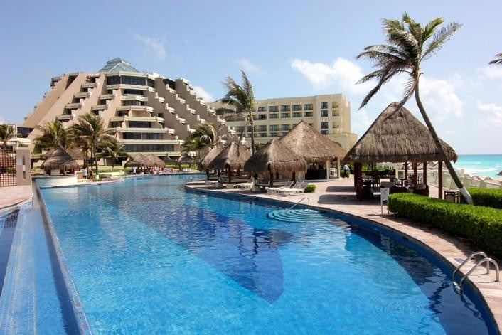 Mexico destination wedding Paradisus Cancun