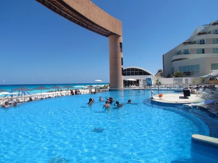 Beach Palace Cancun Wedding Resort