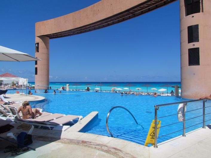 Beach Palace Cancun Pool Movie Screen
