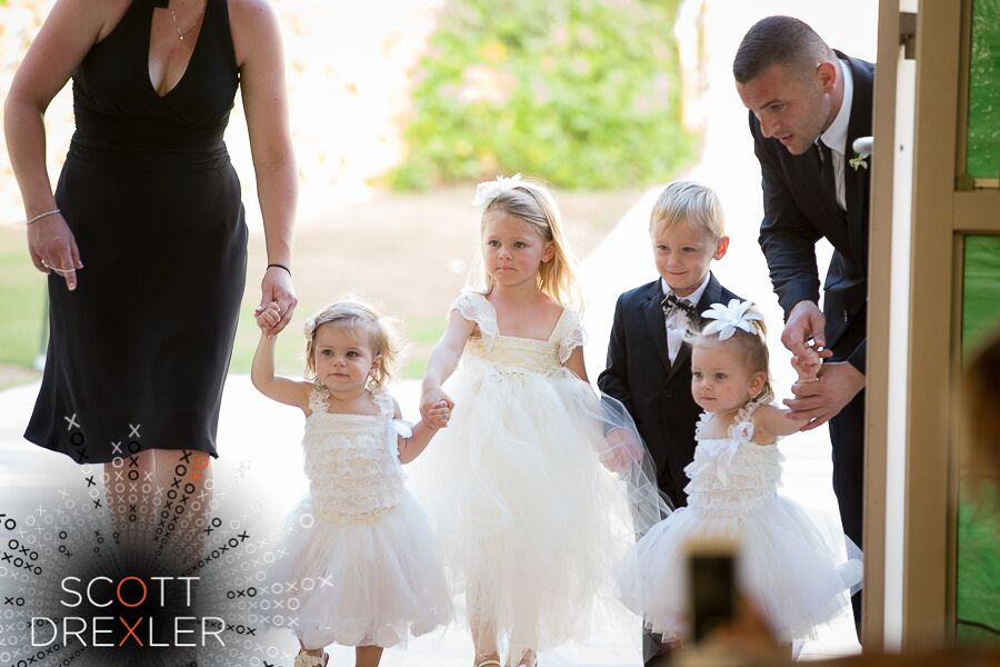 1 flower girls in Maui taken by Alex Drexler Photography