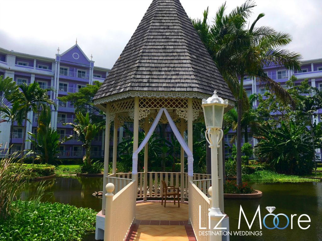 3 Riu Palace Gazebo on the Grounds