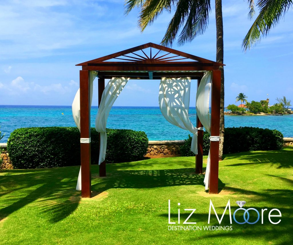 7 Couples Tower Isle Gazebo