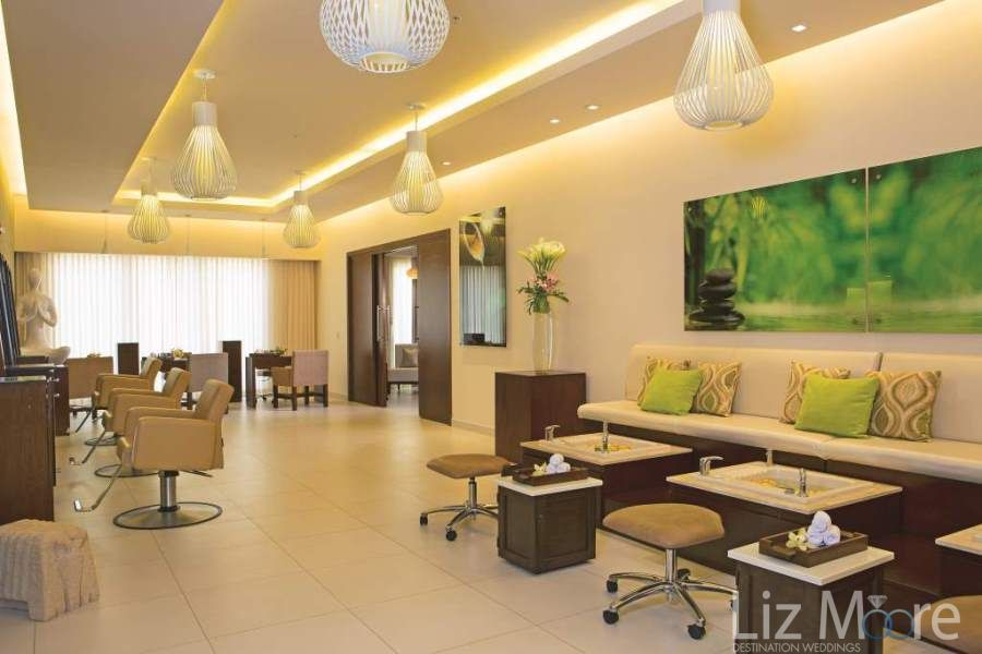 The main spa with manicure pedicure station and the lounge area to enjoy refreshing drinks