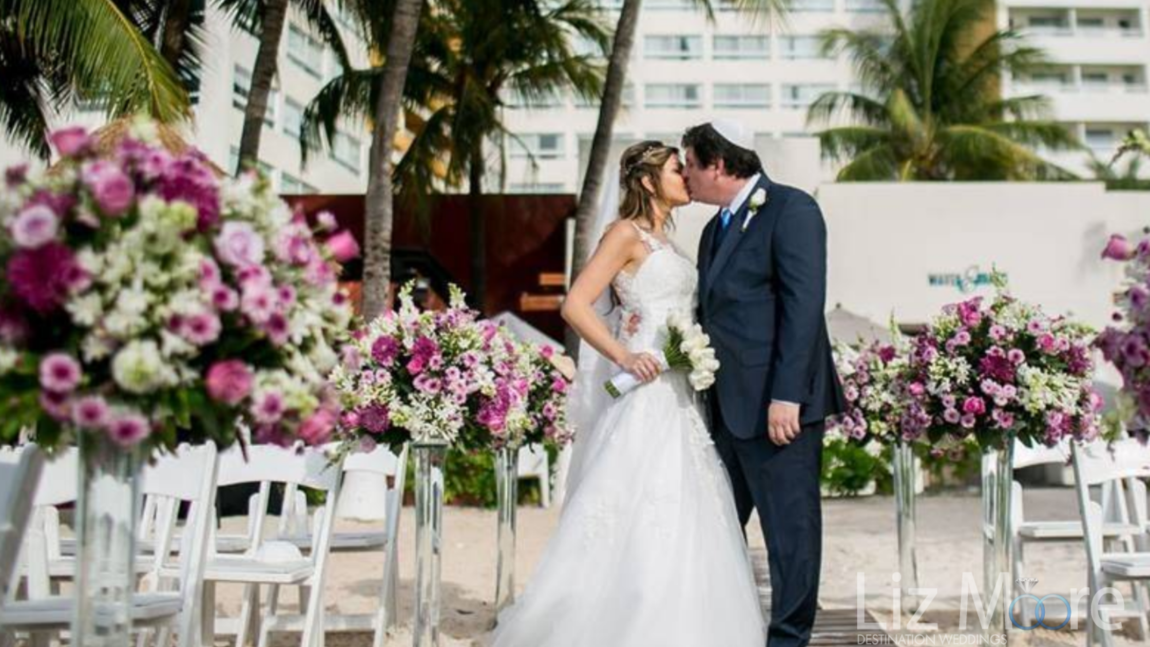 destination-wedding-couple-ceremony-kiss