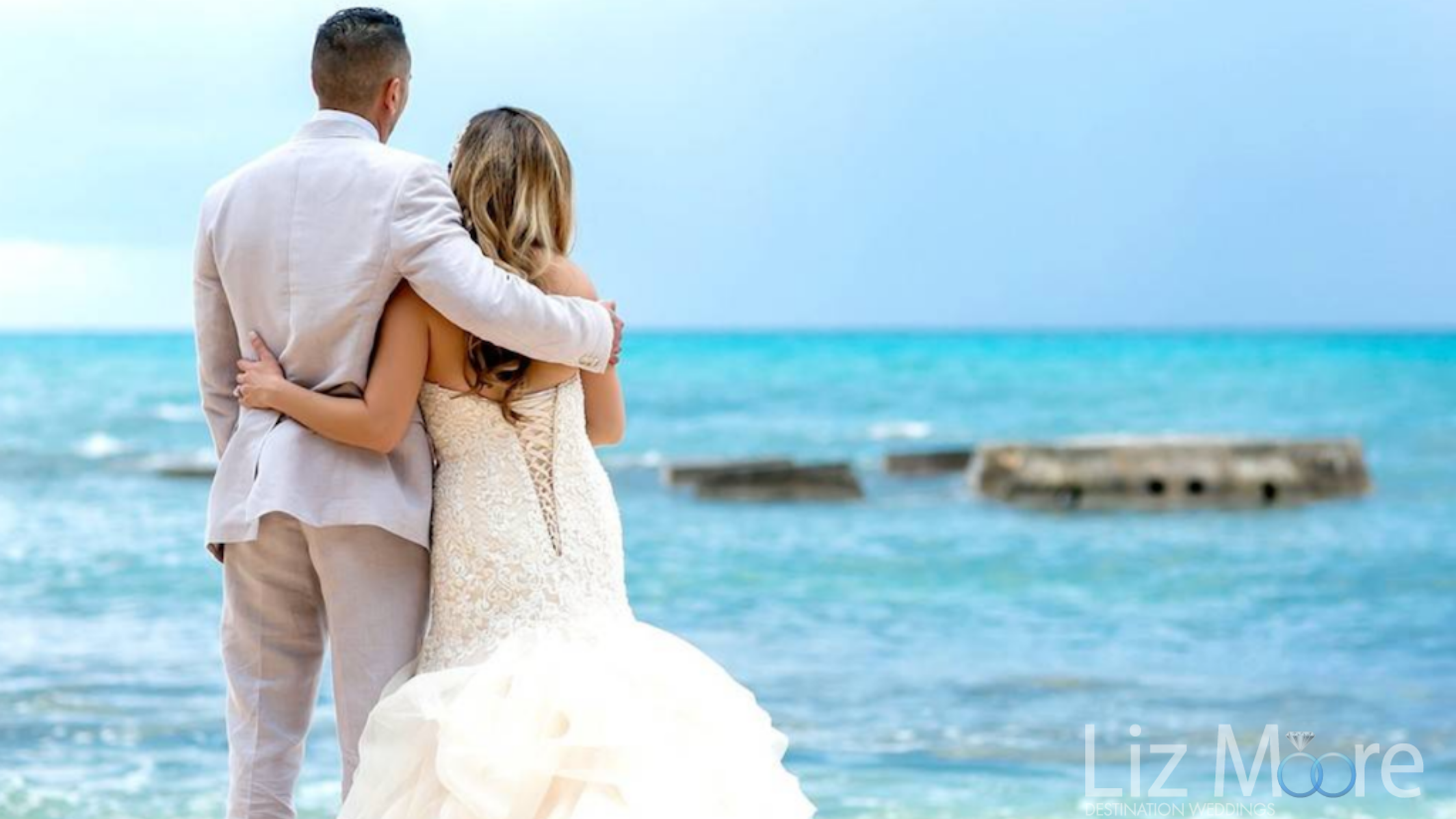 unbelievable-turquoise-blue-cancun-weddings