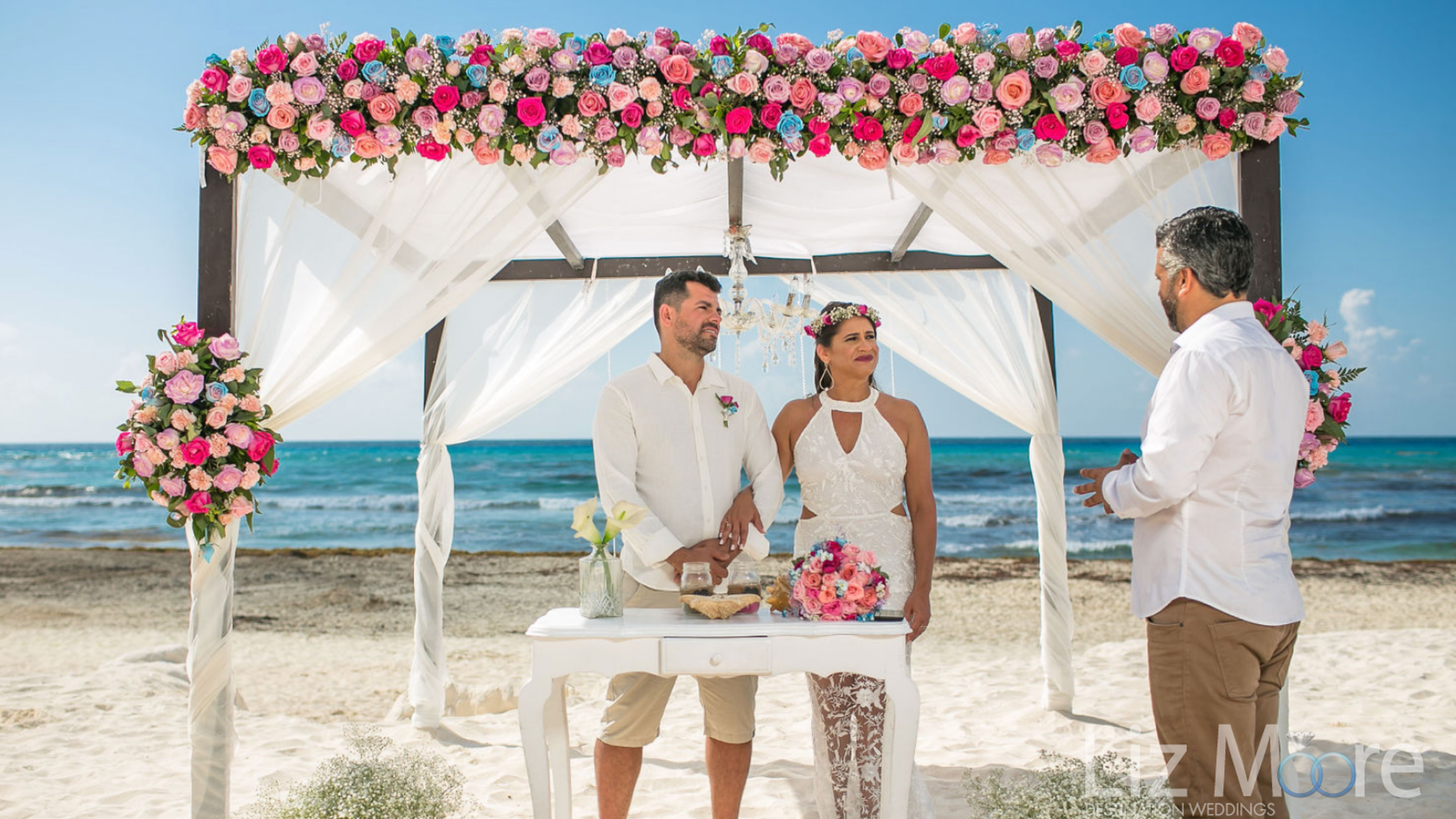 beautiful-Riviera-Maya-wedding-couple