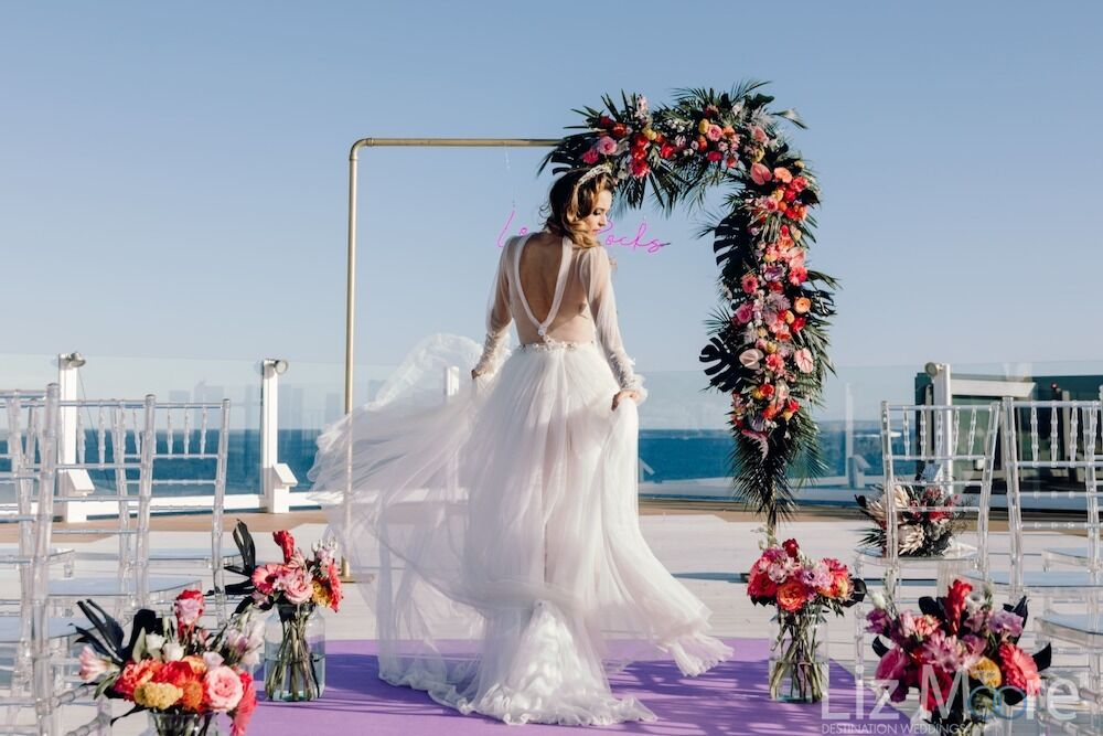 Hard-Rock-Hotel-wedding-bride