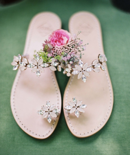 Sparkle-flat-sandals-great-for-the-beach